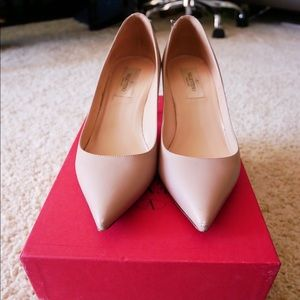 Authentic Valentino Nude Rockstud Pumps